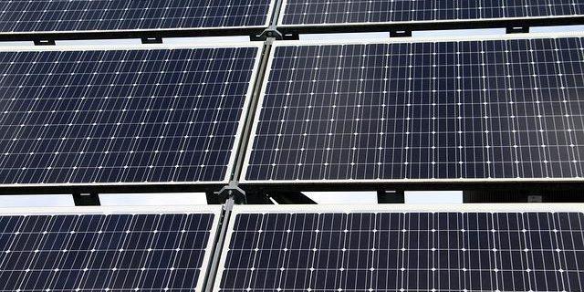 Photovoltaik Solaranlage Einspeisevergütung